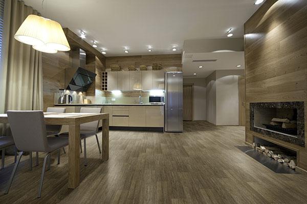 piso-vinilico-facilita-uso-de-madeira-na-decoracao-de-banheiros-e-cozinhas-4895