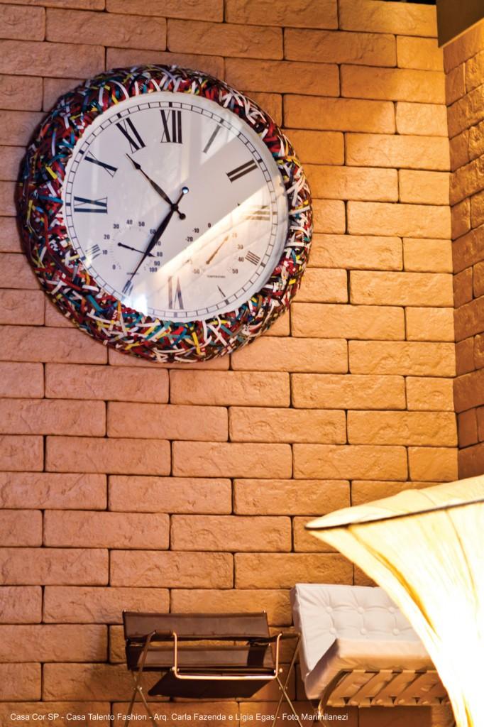 Os tijolinhos Ecobrick completam o visual moderno da decoração industrial