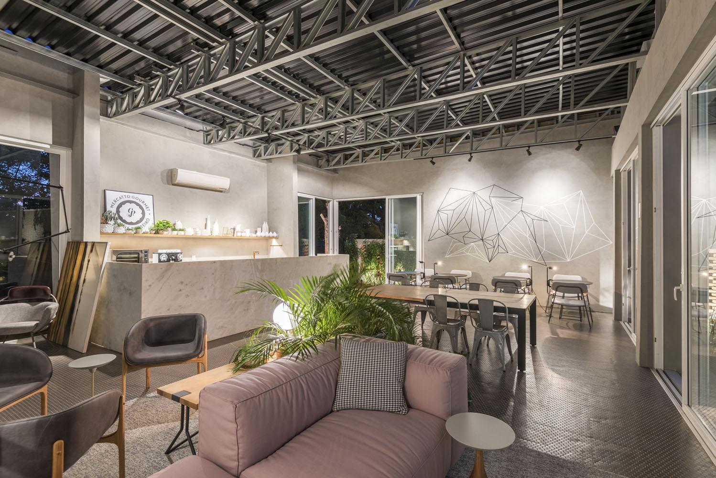 Estrutura metálica do Steel frame compõe a decoração do Café