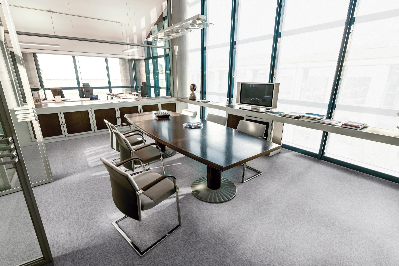 ambientada_corporativo_salas-de-conferências-e-reuniões_lvt_ambienta-studio_textile_aluminium_régua-placa_24043011_1553886896_3000x2000