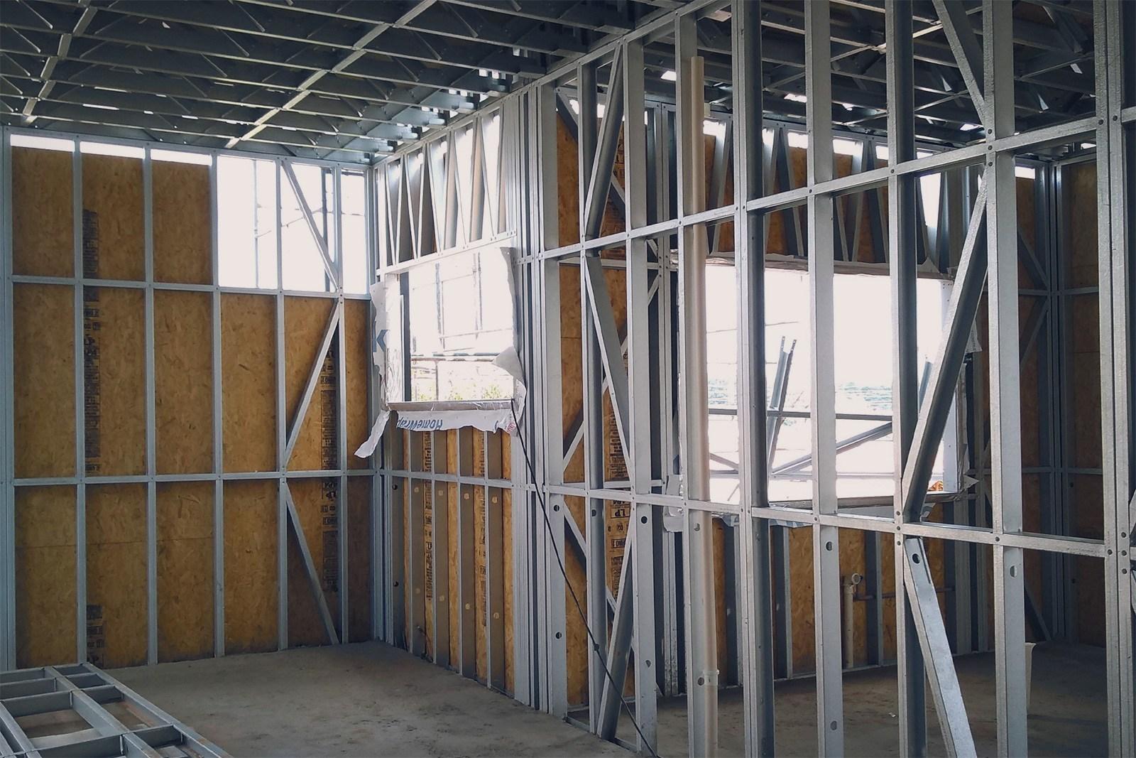 fechamento-revestimento-acabamento-vao-parede-framing-placa-osb-perfil-de-aco-perfil-engenheirado-construcao-seco-sistema-construtivo-light-steel-frame-tecnoframe-14